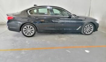 BMW 520i Exclusive Sedan full