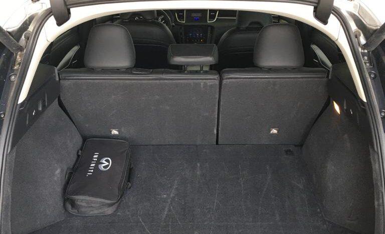إنفينيتي QX50 2.0 لوكس 2WD ممتلئ